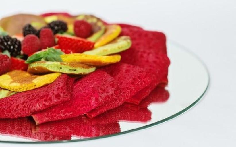 Virtuvės šefo Ruslano Bolgovo rekomenduojami blynų torto bei spalvotų blynų receptai