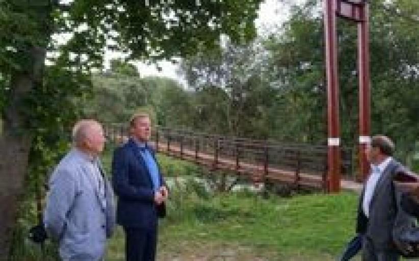 Kretingoje atidarytas atnaujintas beždžionių tiltas per Akmeną