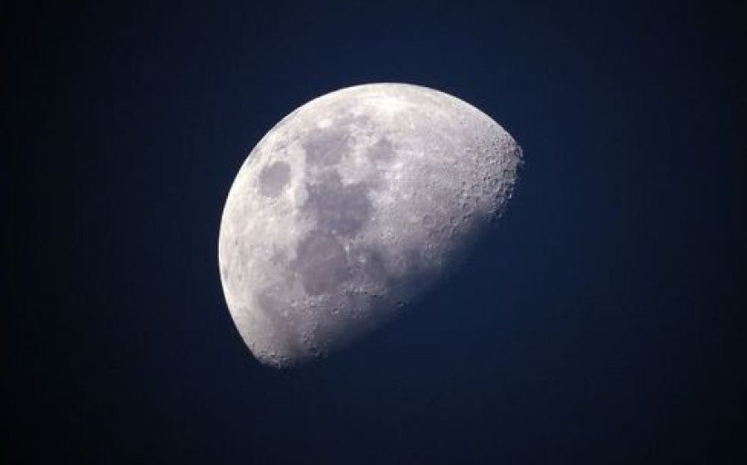 Astronautas tikina, kad Mėnulyje lankėsi ne tik žmonės: melo detektorius tai patvirtino