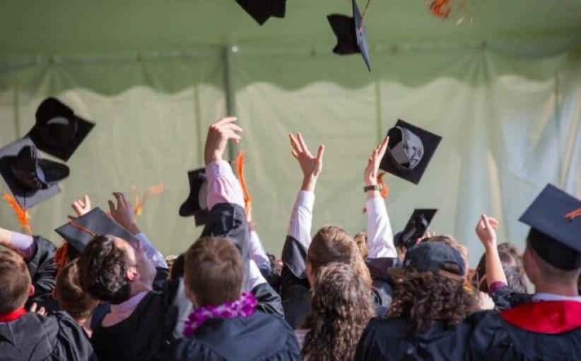 Abiturientų kryžkelė: besirenkant studijų programą, universiteto lokacija ima viršų?