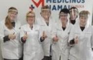 Pirmieji apsauginiai skydeliai jau išdalinti Šiaulių rajono medikams