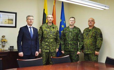 Jurbarko rajono savivaldybė plečia bendradarbiavimą su kariškiais