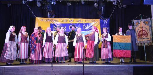 """Alytaus miesto savivaldybės vadovų sveikinimai """"Lithuanian show dance championship 2018"""" čempionėms"""