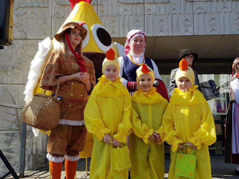 Nuotaikinga Atvelykio šventė Telšiuose ir tradicinė kiaušinienė