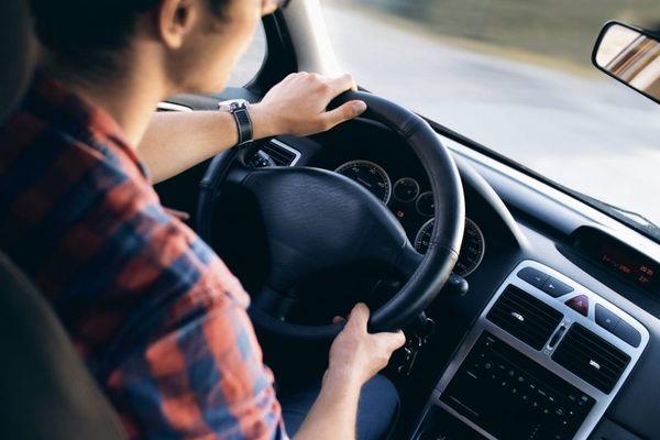 Nuo 2020 metų – galimybė anksčiau atgauti vairuotojo pažymėjimą