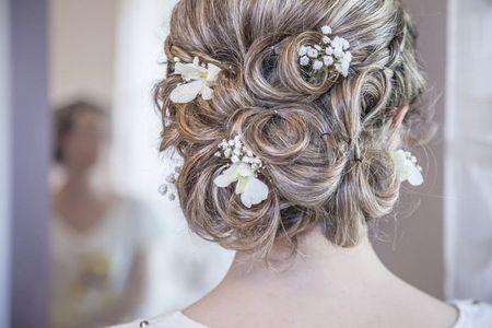 Kokias šukuosenas pasirinkti vestuvėms?